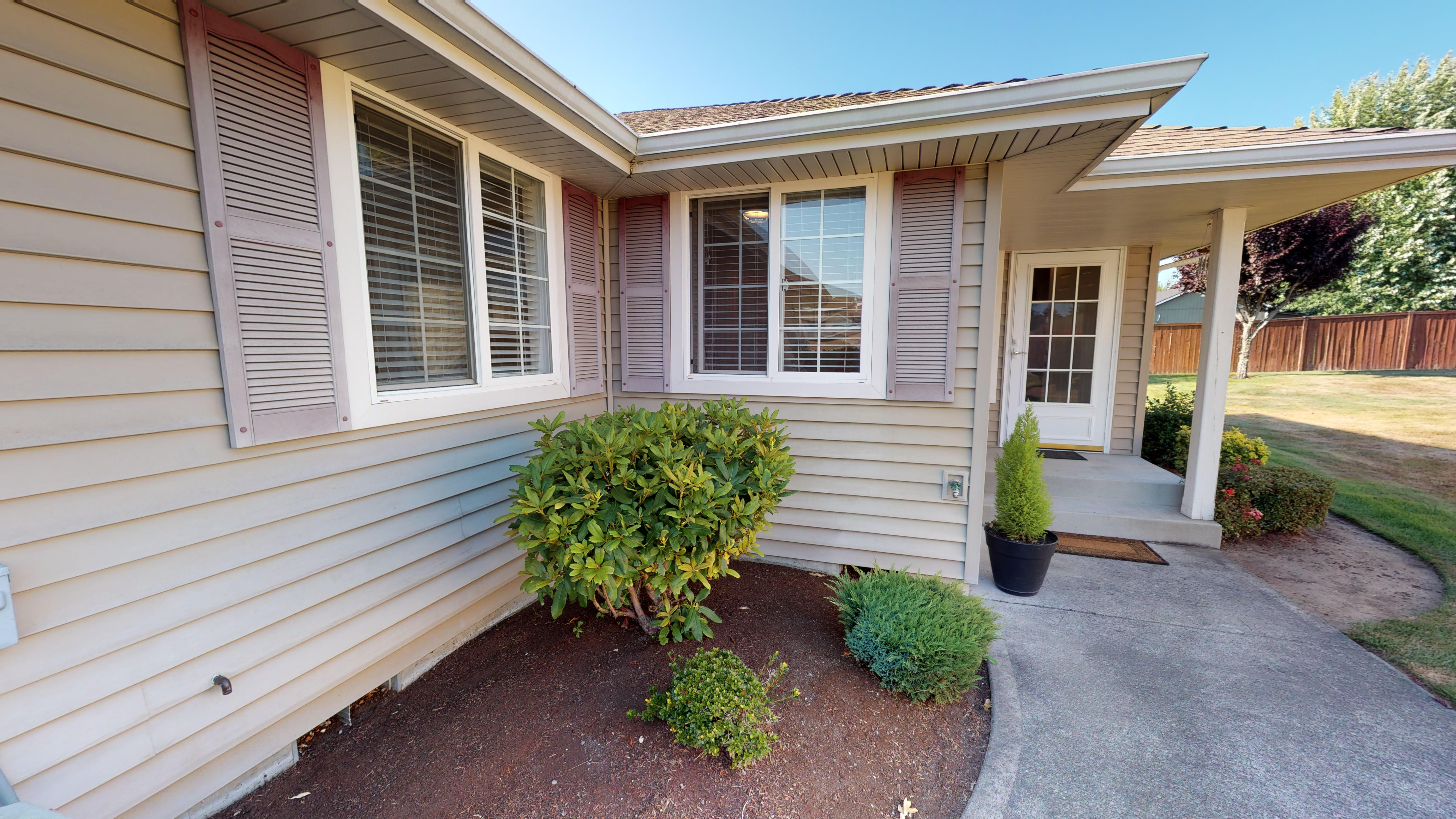 279k-3bd2ba-1188-sqft-2-car-garage-1409-102nd-St-E-Tacoma-WA-07292019_215232